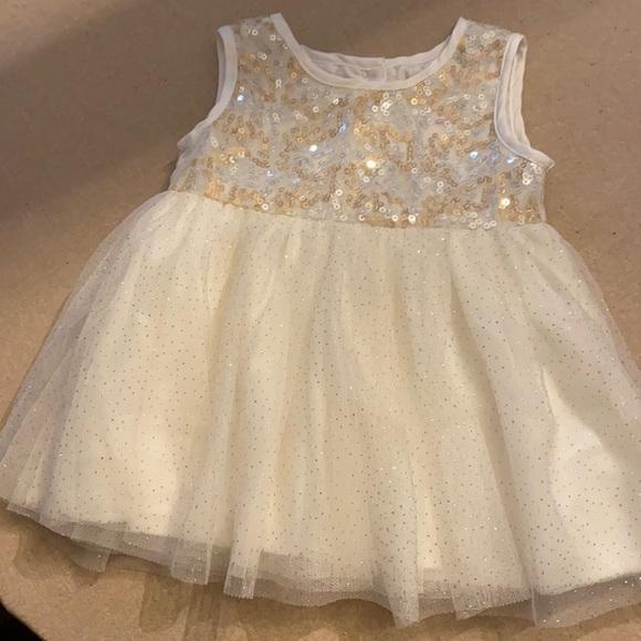 🌈5/$9 BABY SALE - sparkly dress